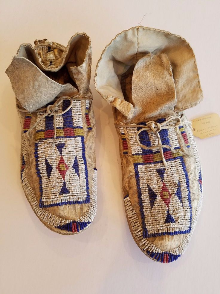 1000 ideas about beaded moccasins on pinterest beadwork for Native american handmade crafts
