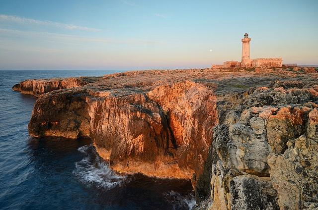 Cape Murro di Porco, Peninsula of Maddalena, Syracuse - Red cliffs