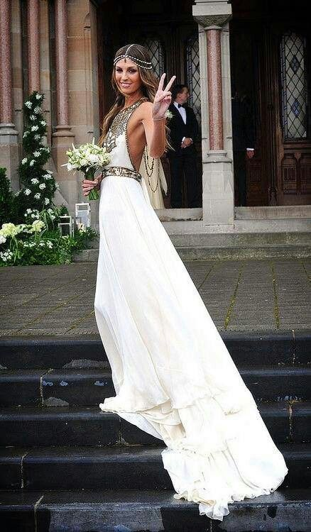 Omg! Bohemian wedding dress! I couldn't pull this off but I love it