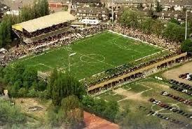 Wie van de voetbal fanaten..op leeftijd :-))..kent nou niet het gezellige oude NAC.stadion aan de Beatrixstraat in Breda???