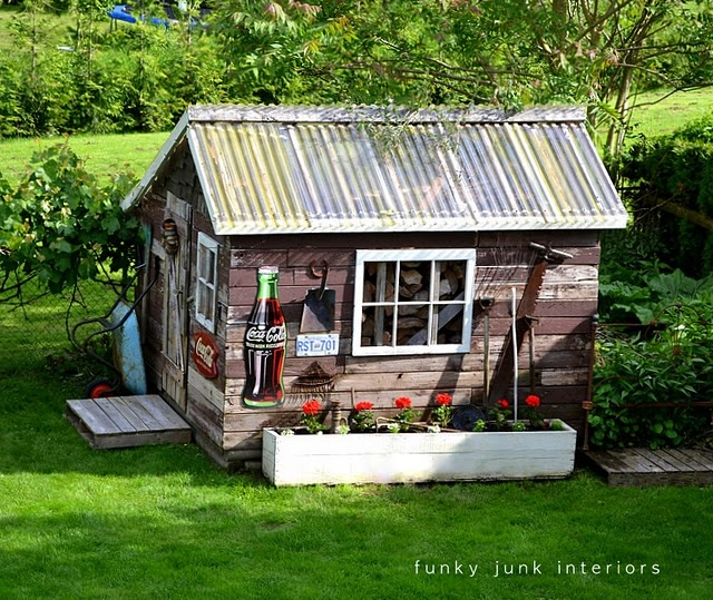 Pictures Of Backyard Garden Sheds : want my backyard shed to look like this one!  Pretty Garden Sheds