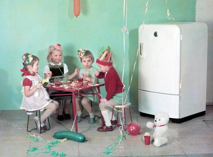 Claire Aho: Jääkaappimainos, 1950-luku