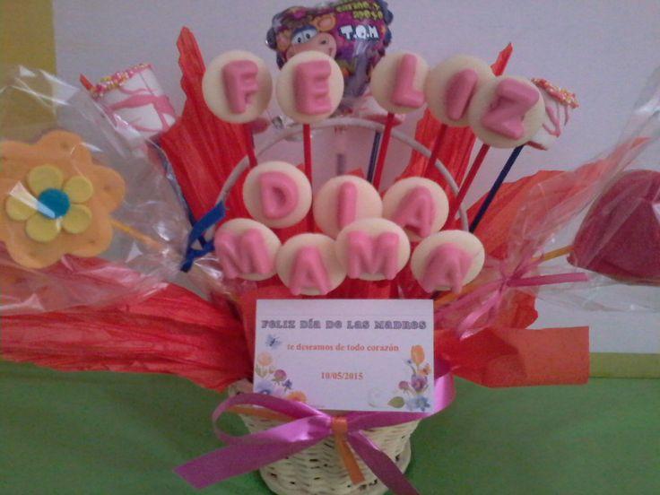 ancheta dulce .galletas personalizada,masmelos.con mensaje en chocolate, y fresas achocolatadas. $ 25.000
