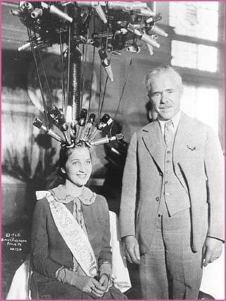 Charles Nessler - The first method for a permanent wave was the one created by the German hairstylist Karl Nessler (later Charles Nestle), in 1905. He patented in 1906 the system in Germany, which consisted in a group of rollers in which the hair was wrapped and curled, connected to a machine what heated them by means of an electrical resistance.