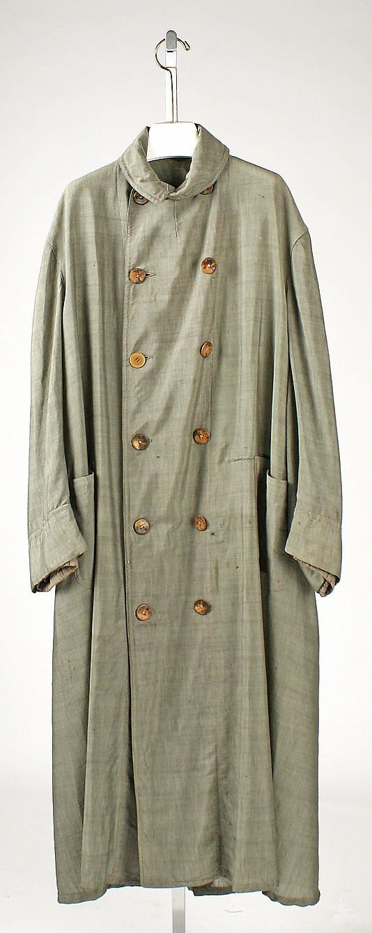 Duster coat- Motoring garmet. Worn in cars because roads were unpaved and dust would get kicked up, protective.