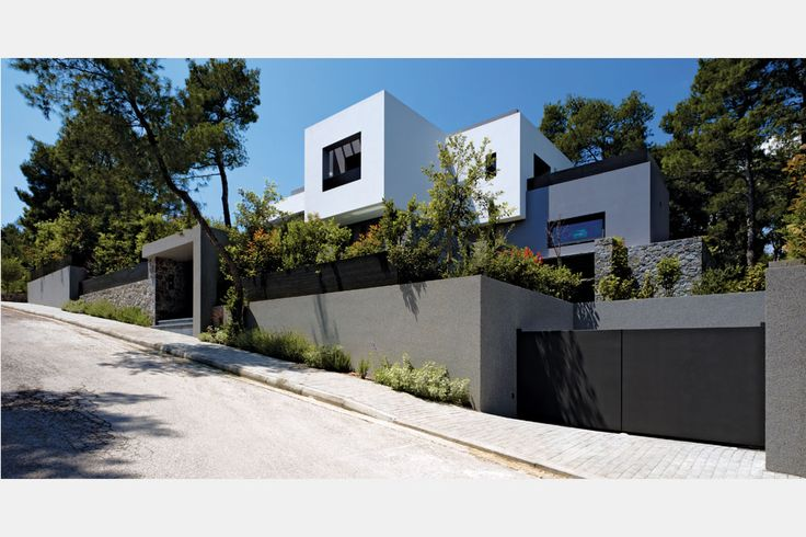 Residence in the northen suburbs of Athens with contemporary aesthetics, designed by Dimitris Agiostratitis  #architecture #interior_design #ek_magazine