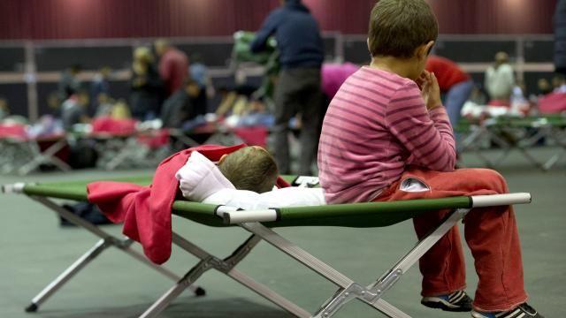 Czerwony Krzyż szuka wolontariuszy do pomocy uchodźcom #popolsku