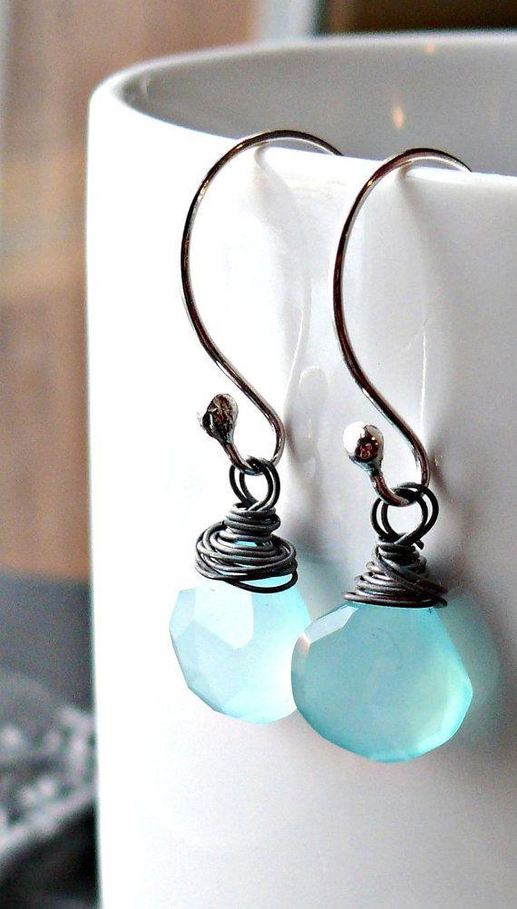Alambre de plata envuelve pendientes de piedra azules - plata alambre envuelto pendientes - piedra azul - cuelga rústico