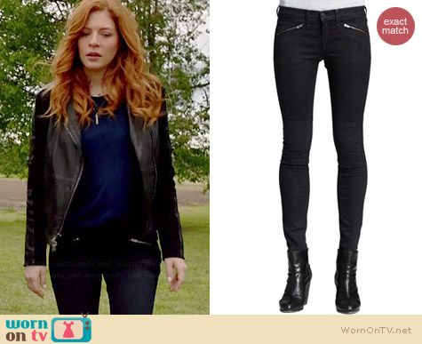 Julia's black zip pocket jeans on Under the Dome.  Outfit Details: http://wornontv.net/35179/ #UndertheDome