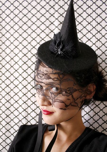 Halloween Hat-ettes - a very easy tutorial for making this adorable witch hat!