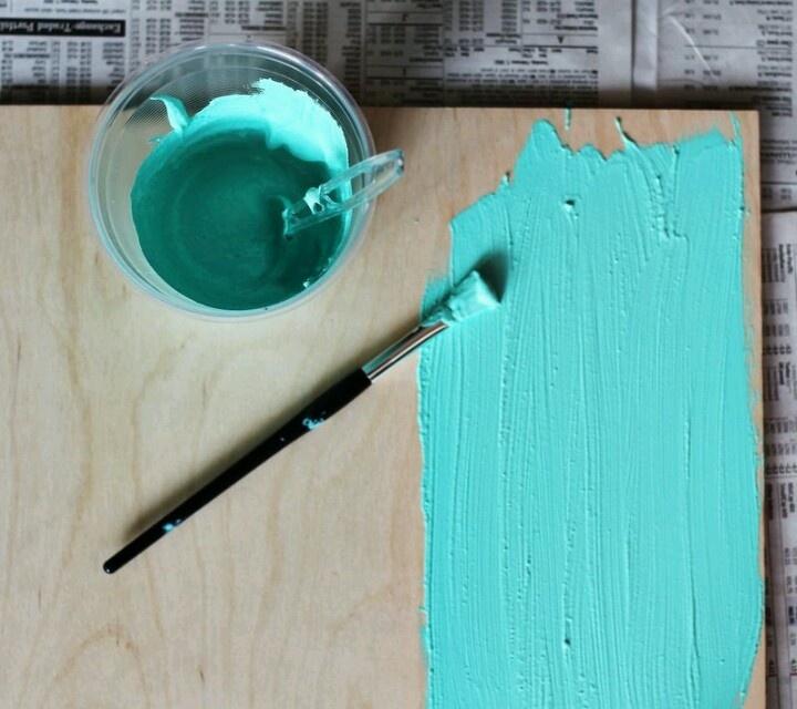 Acrylverf met tegelvoegsel word schoolbordverf