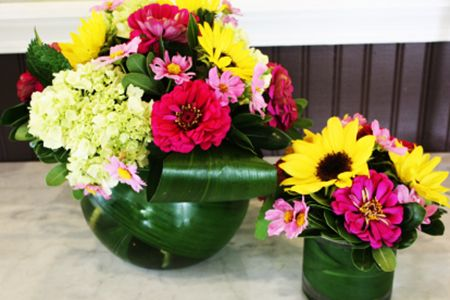 Two matching arrangements in various sizes!