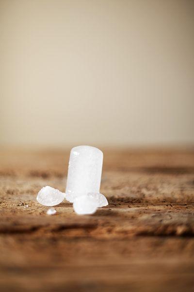La pierre d'alun : un sel d'aluminium comme les autres?