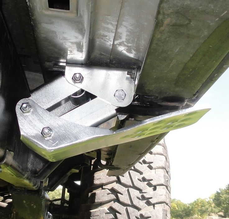 Mountain Off-Road Enterprises (M.O.R.E.) revolutionary Hide-A-Step retractable, detachable step for Jeeps!