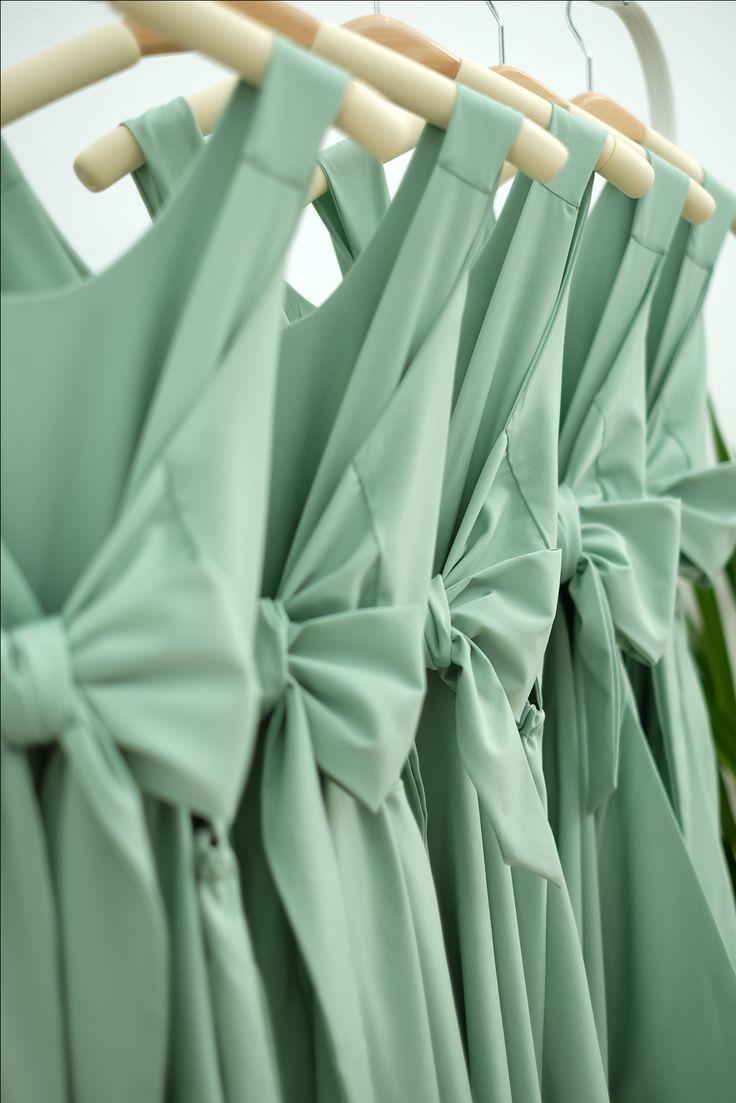 Bridesmaid dresses Backless bow back dresses set green