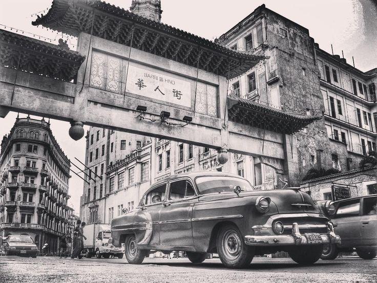 Pórtico de acceso al #barrioChino de #LaHabana.  El barrio chino de La #Habana capital de #Cuba conforma uno de los más antiguos y más grandes #Chinatowns de #AméricaLatina. Llegó a ser considerado como el segundo más importante del mundo tras el de #SanFrancisco en #California #EstadosUnidos.  El pórtico de entrada al barrio inaugurado en 1999 fue financiado por el gobierno de la República Popular de #China con materiales traídos de ese país. Recibe el nombre de El Pórtico de la #Amistad y…