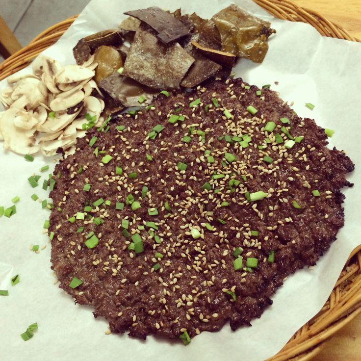 Bulgogi! 요게 그 유명한 바싹 불고기! これが有名なサクサクプルコギ!美味しいよ! #プルコギ #BBQ #Korean #Food #beef #delicious #instafood #yummy #lunch #Seoul #Korea #mushroom #steak #韓国 #料理 #焼肉 #きのこ #美味しい #韓国料理 #불고기 #장사랑 #바싹 #먹스타그램 #맛집 #맛있어
