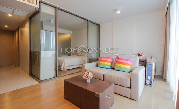 1 Bedroom Condo for Rent at Siamese 39  -  Learn more of this rental & other available condos or apartments for rent, go to http://www.homeconnectthailand.com/condo-buildings-a-to-z/  This luxury low rise 1 bedroom accommodation at Siamese 39 is fully furnished in new design trends and offers a cozy living option in the heart of the city. Available now on freehold term, this 46-square meter condo has a compact and efficient floor plan. A tv/console, overhead display shelvi