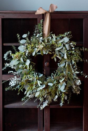 Holiday Wreath How to: Eucalyptus Holiday Wreath. Making this next year