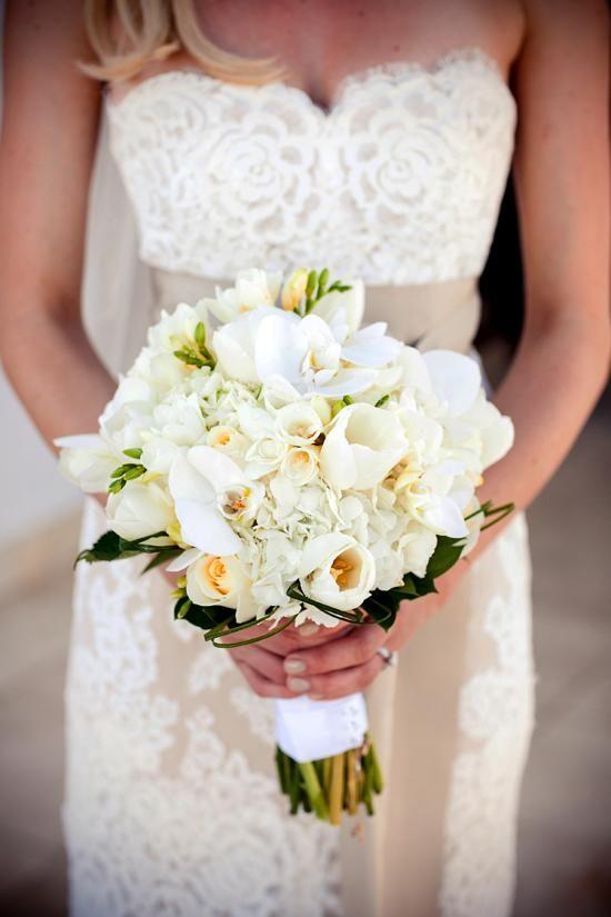 Wedding Inspiration: Mexico Beach Wedding White Bouquet