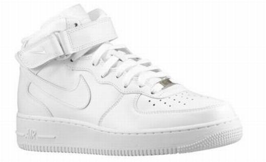 Высокие белые кроссовки nike