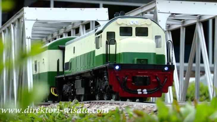 Taman miniatur kereta api Lembang #Bandung sarana #liburan edukatif bagi keluarga.