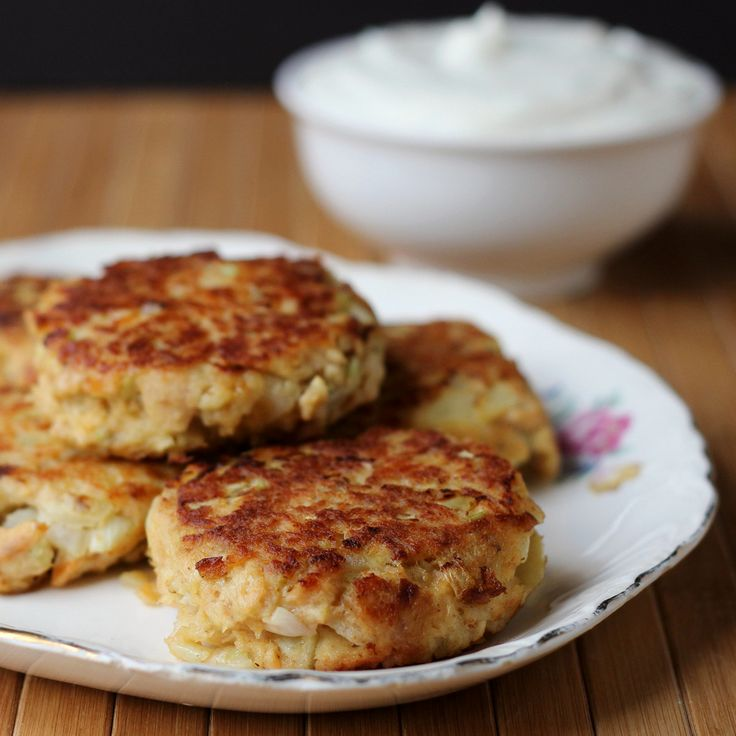 Dish Salmon Croquettes: Salmon Croquettes With Dill Sauce