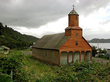 iglesia Detif, Chiloe, Chile unique in the very last corner of the world , build without any metal nail. Chiloé has a very raíny weather....in all seasons