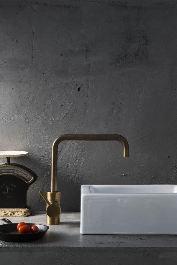 A69.08.V2 Icon Sink Mixer English Brass