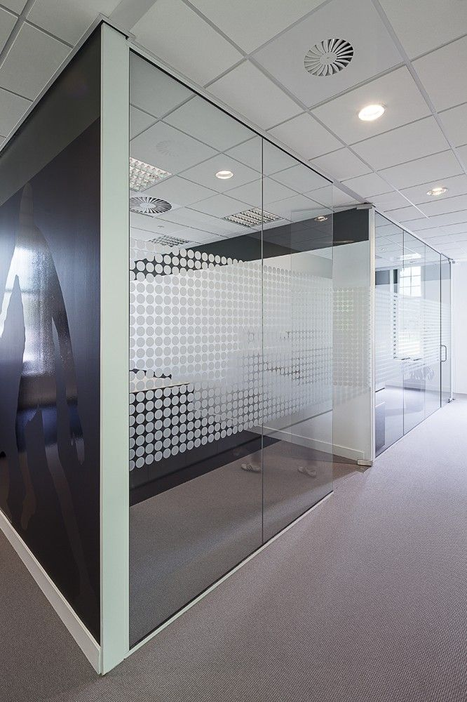 graphics to limit views into private offices? Villa Sonnehaert / Hollandse Nieuwe