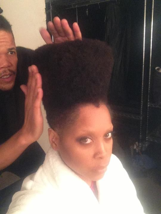 Wylin! Erykah Badu Sings B-tch, Don't Kill My Vibe In Front Of Nuns
