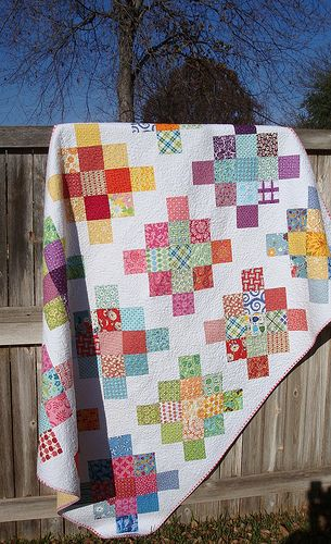 "Granny Squares using 5"" charm squares.  When I make this quilt I will definitely use this method!"