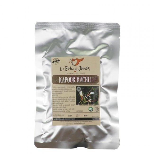 Parliamo del #KapooKachli de #ErbediJanas, che trovate in bottega. ll Kapoor Kachli, 100% naturale de Le Erbe di Janas è una polvere dal profumo intenso, si aggiunge a qualsiasi pasta per via delle piacevoli note odorose. Capelli più spessi, luminosi e profumati con il Kapoor! Ma il Kapoor Kachli non è semplicemente una pianta profumata, sono lodevoli le sue proprietà condizionanti quando aggiunta ai mix lavanti. Ha proprietà antisettiche per il cuoio capelluto, perfetto in caso di cute…