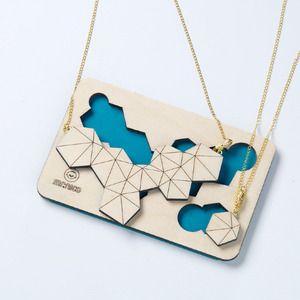 Collana in legno - Wood necklace www.ofeliatuttotorna.com