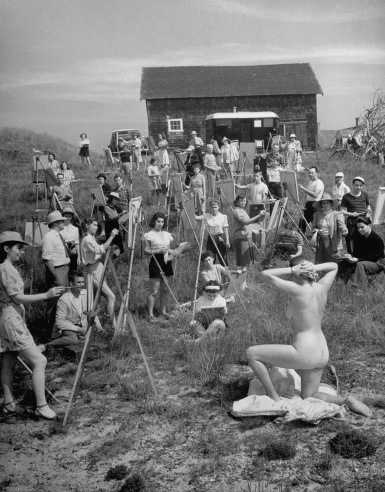 A large group of Farnsworth Art School paint a nude model in 1946.