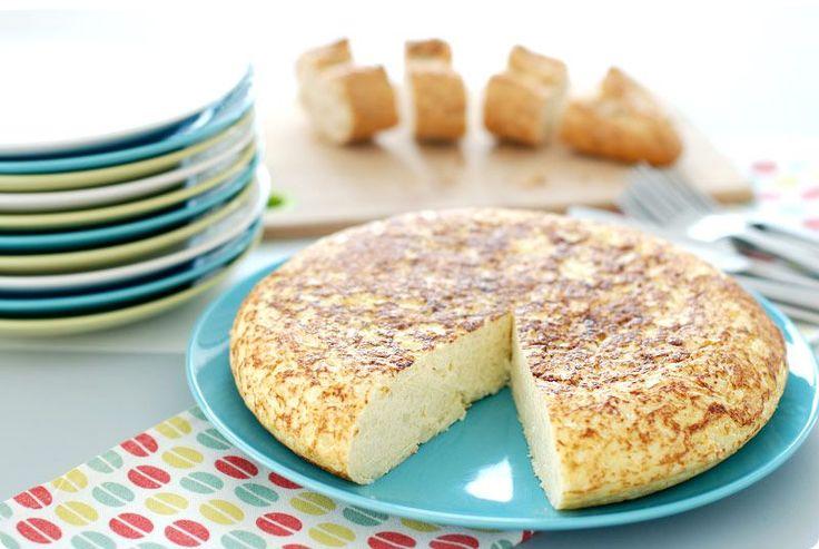 Receta apta para dietas y para ovolácteovegetarianos. Otra forma de tomar hortalizas como esta coliflor. Prepárala como una tortilla, verás que rica.