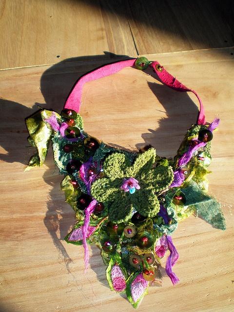 collier flowers by Daniela Cerri, via Flickr