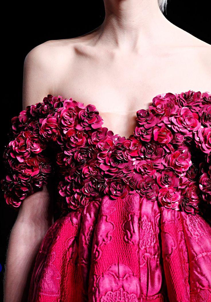 wow: Alexander Mcqueen, Mcqueen Fall, Fashion Details, Alexandermcqueen, Dresses, Fall 2012, Pink, Flower, Haute Couture