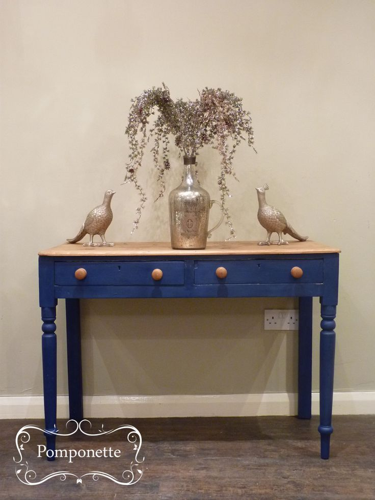 Rustic Console Table. We Have Used @anniesloanhome Newest Colour Napoleonic  Blue #chalkpaint |