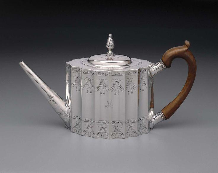 Teapot - 1796 - Paul Revere, Jr. (American, 1734–1818) -  Dimensions: 14.92 cm (5 7/8 in.), Silver.
