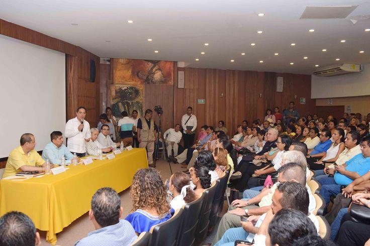 ]ACAPULCO, Gro. * 21 de agosto de 2017. Gobierno de Acapulco El presidente municipal, Evodio Velázquez, encabezó la reunión de apertura de la primera auditoría externa de mantenimiento 2017 bajo la norma ISO 9001:2015 al sistema de gestión de la calidad del Ayuntamiento de Acapulco, trabajos...