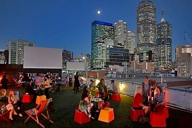 The best point to climb high and find your bearings is Rooftop Bar, the only place you can take in the whole city from within; breathtaking views and even a rooftop cinema.