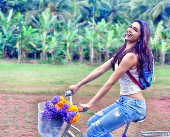 Deepika podukone at the piku Show Season from the new Fashion lá párise