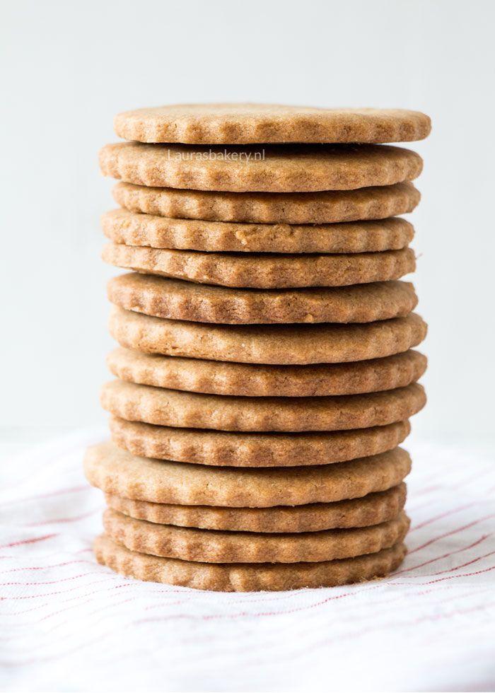 Jodenkoek of jodekoek? Voor de smaak maakt het niets uit. Maak dit oud-Hollandse koekje nu lekker zelf met dit eenvoudige recept!