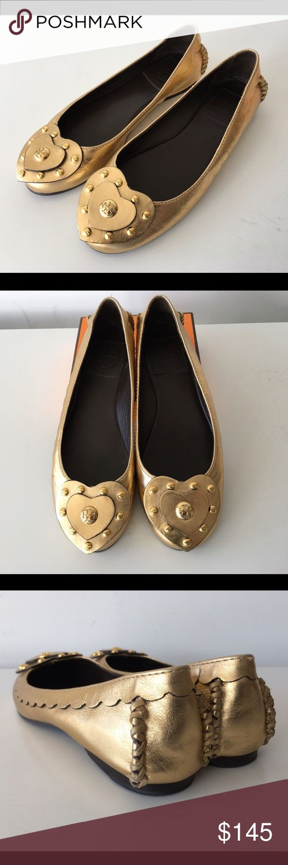 RARE TORY BURCH GOLD METALLIC BALLET FLATS, SIZE 6 RARE TORY BURCH GOLD METALLIC BALLET FLATS, SIZE 6, NO SIGNS OF WEAR ABOVE SOLE, GENTLY USED IN EXCELLENT CONDITION Tory Burch Shoes Flats & Loafers