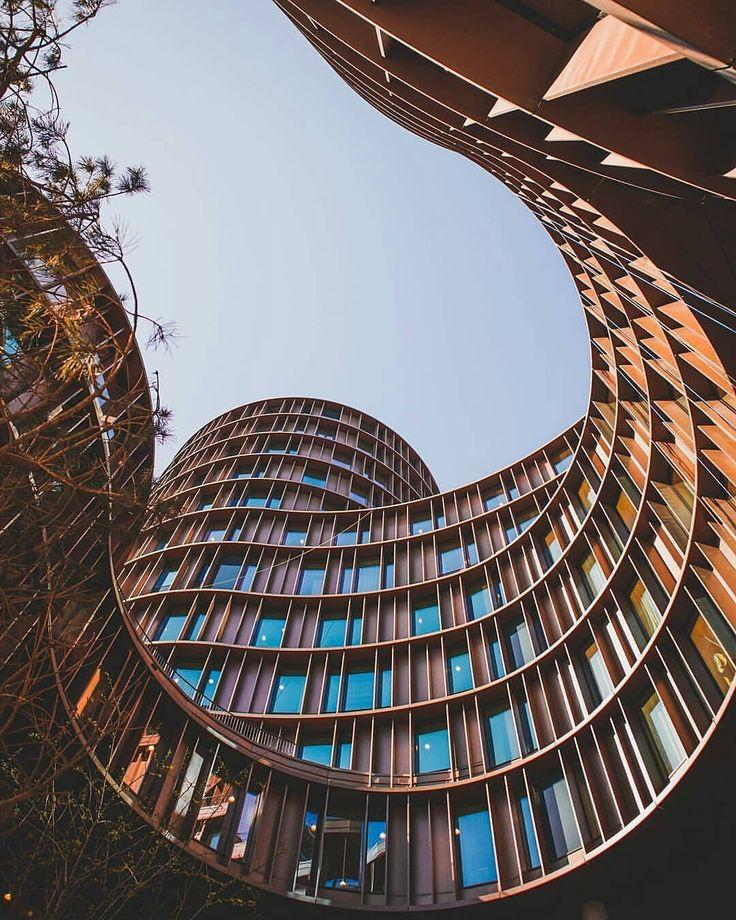 Parabéns por esta intrigante captura de perfeição arquitetônica. ________…   – Architektur