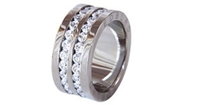 If you are thinking of buying jewellery online, whether it is a steel bracelet, or even a necklace with hearts, we have it for you. We specialise in many types of jewellery such as rings, necklaces and many more. Visit our website for more information >> smycken --> http://smycken.se