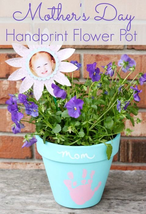 This Mother's Day Handprint Flower pot is sure to be one of your favorites for years to come! A DIY Craft for Kids that is easy to make a sure keepsake project!