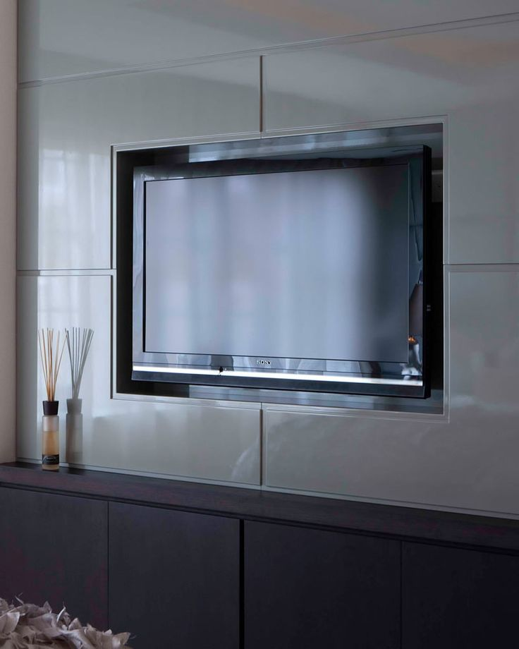 Kensington, London   Luxury interior design   TV in master bedroom الوصلة الداخليه فيها صور جميله