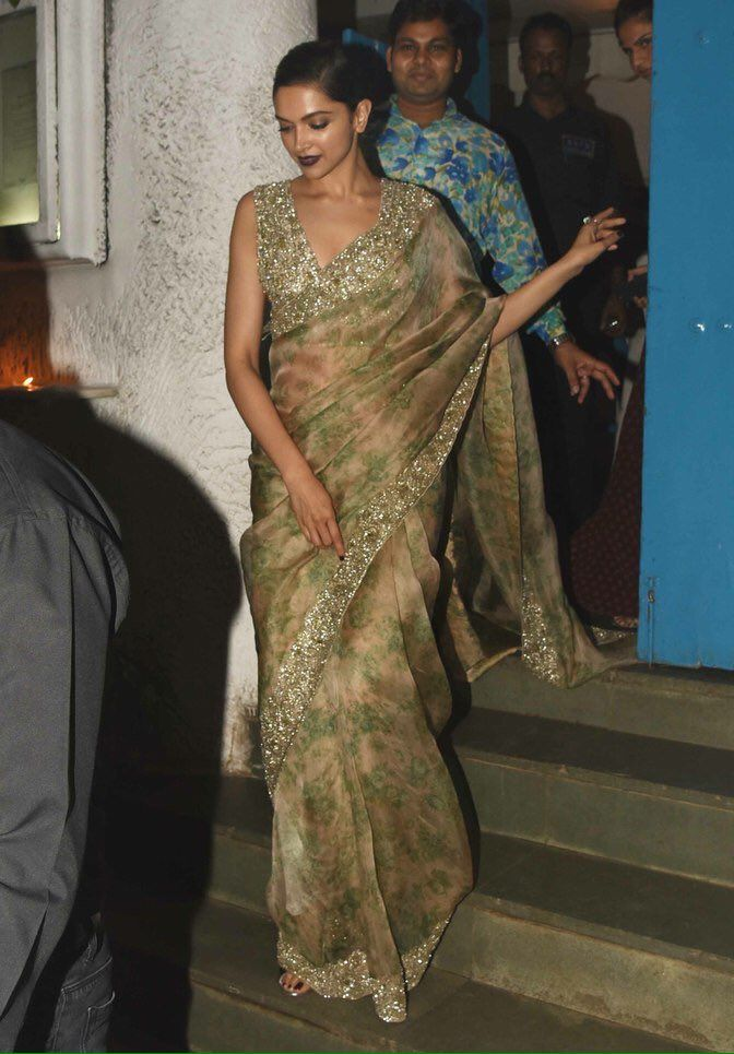 [PICS] Deepika Padukone leaving Olive with her team where she went after the…